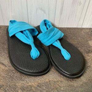 Sanuk blue yoga sandals